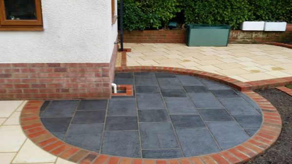 Landscaped garden with Pointfix